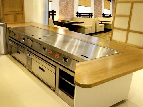 Teppanyaki griddle in built counter